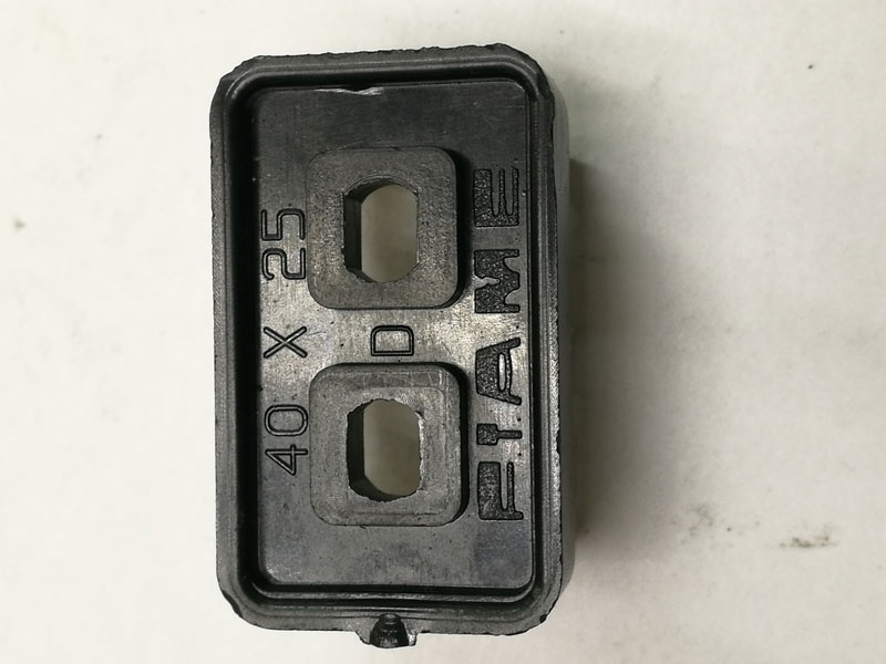 Piame – 40×25 Terminal Block Rear
