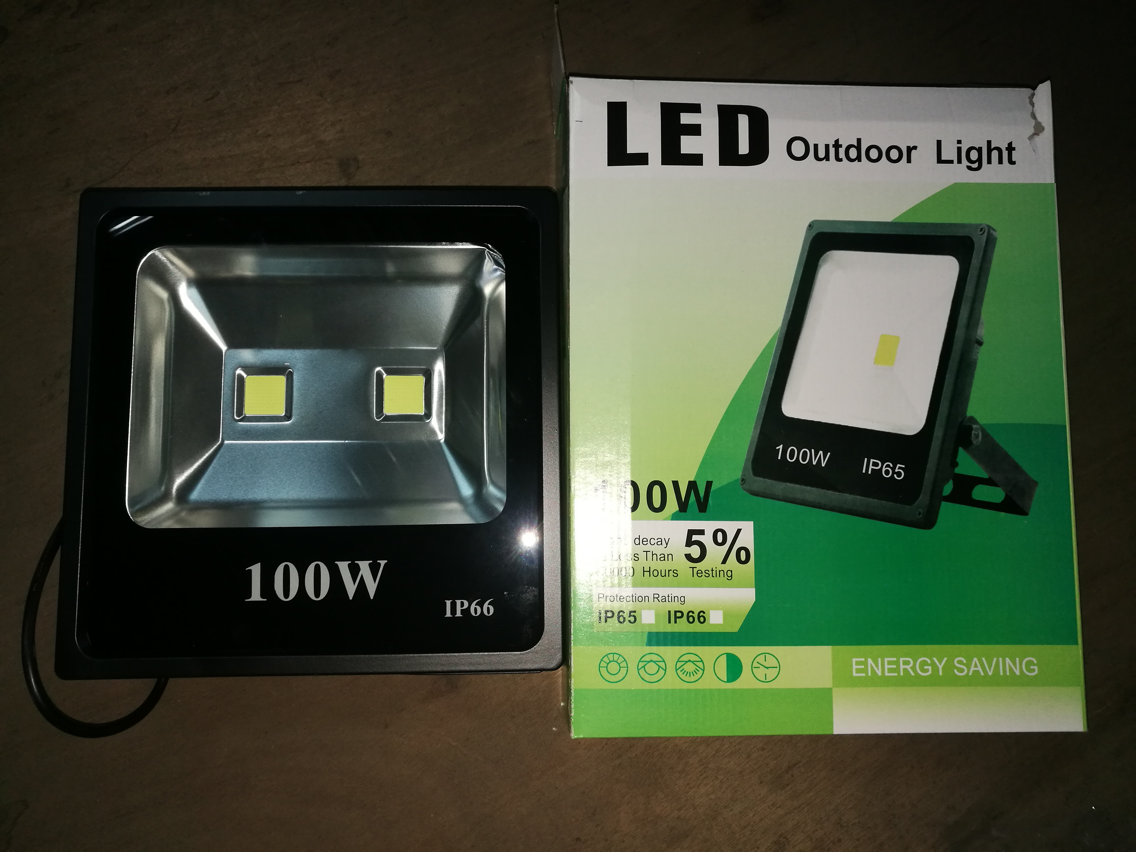 Light On 100W Led Flood Light
